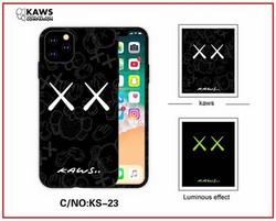 "Чехол-накладка силикон Luxo для iPhone XS Max (6.5"") 0.8мм с флуоресцентным рисунком KAWS Черный KS-23"
